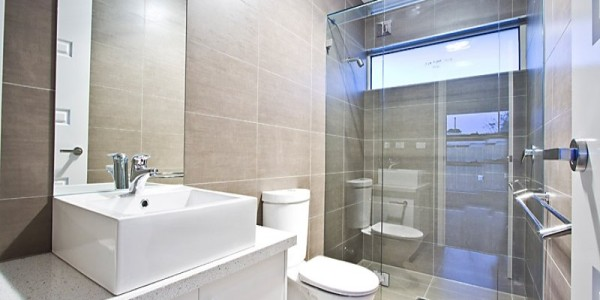 Upstairs bathroom - Mount Waverley Residential Builders